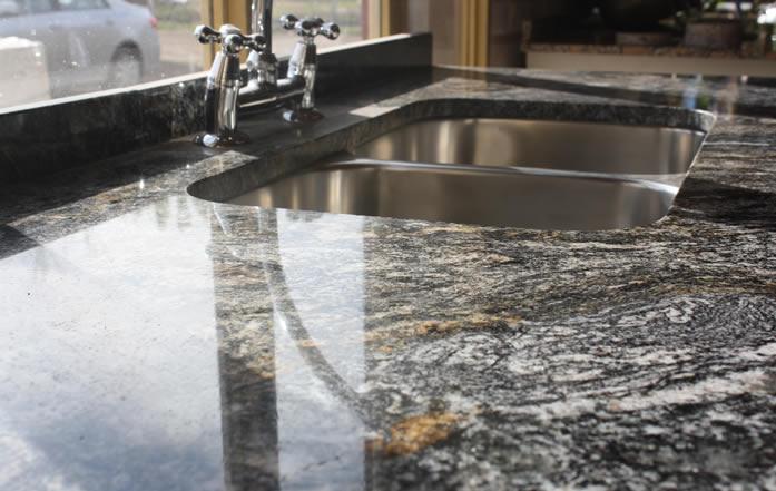 Mosaicos guajardo marmoleria pisos graniticos rusticos for Fabrica de marmol y granito